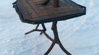 【ナース・ログproject】柳とカラマツのテーブル